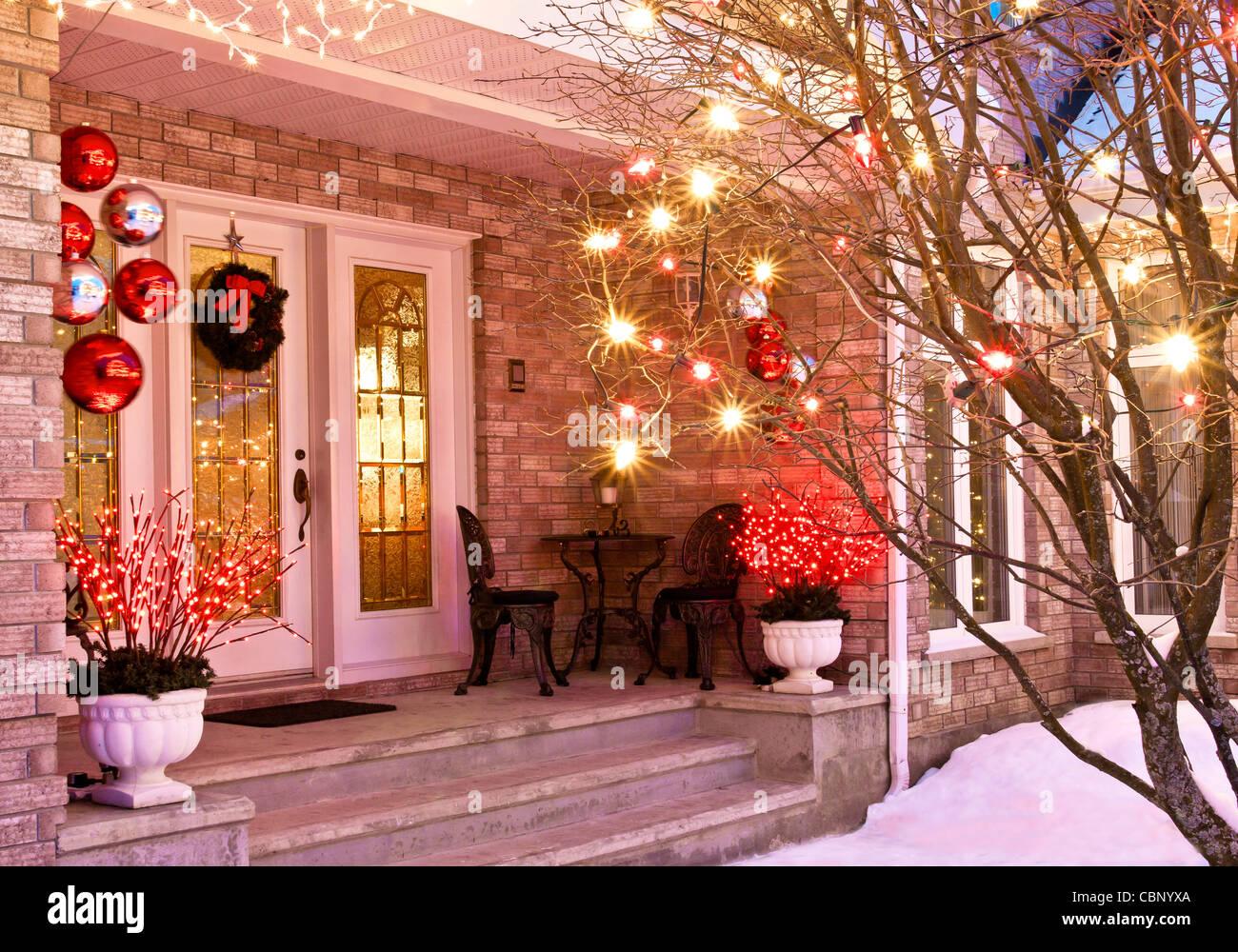 Sedie Decorate Per Natale : Home ingresso decorato per il natale compresi luci corona bistro