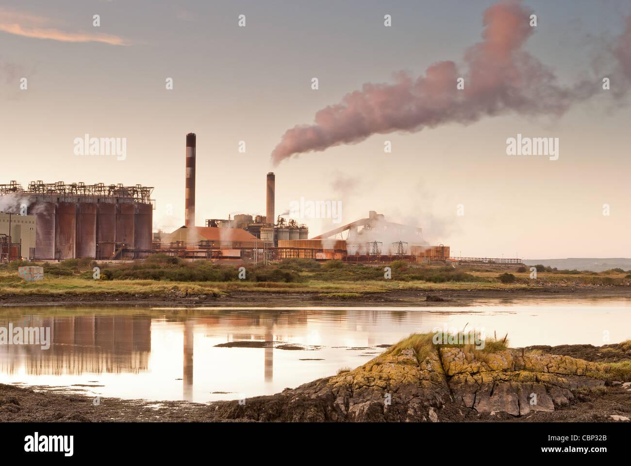 Raffineria del minerale Immagini Stock