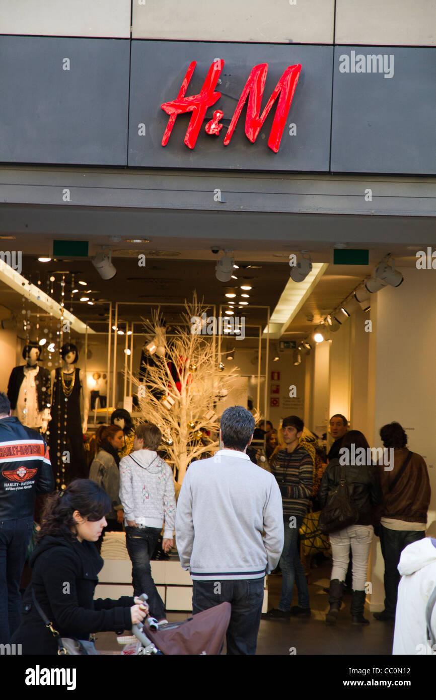 buy online f820e a7f19 Lo shopping di Barcellona H&M store negozio di abbigliamento ...