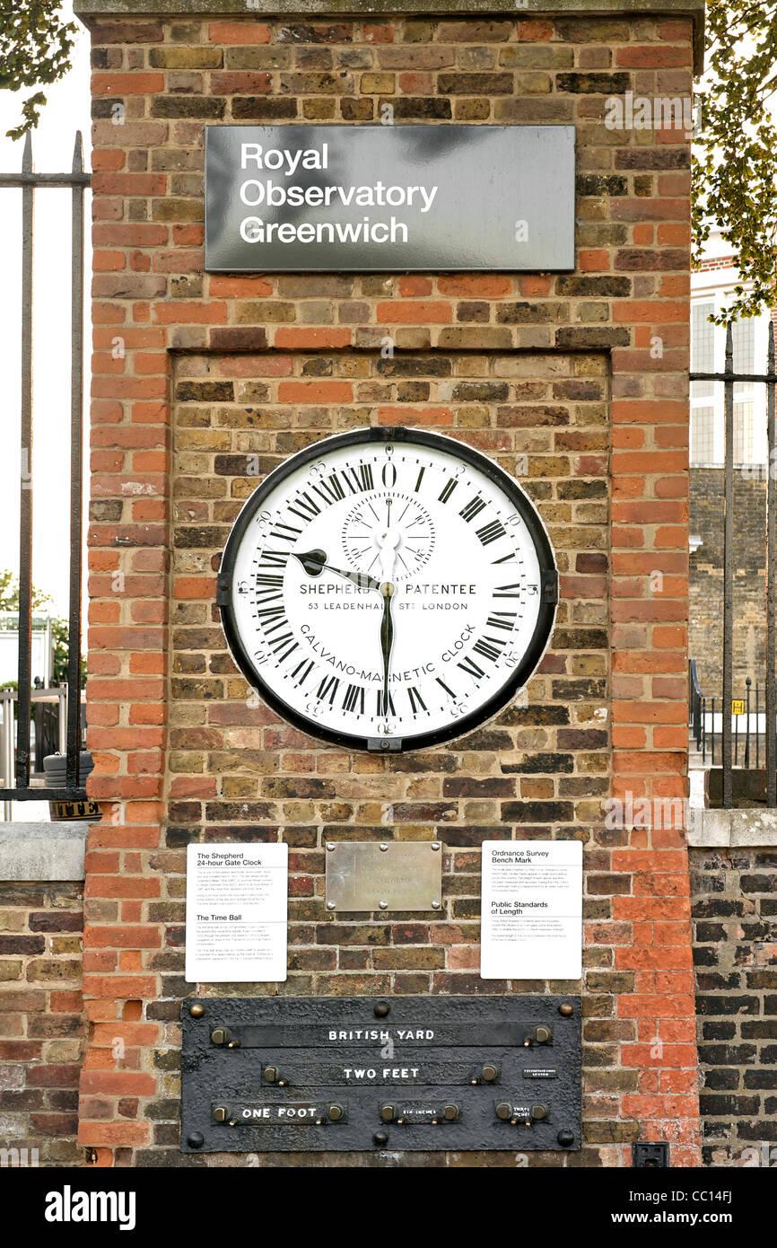Il pastore 24-hour clock gate presso il Royal Observatory di Greenwich, Inghilterra. Immagini Stock