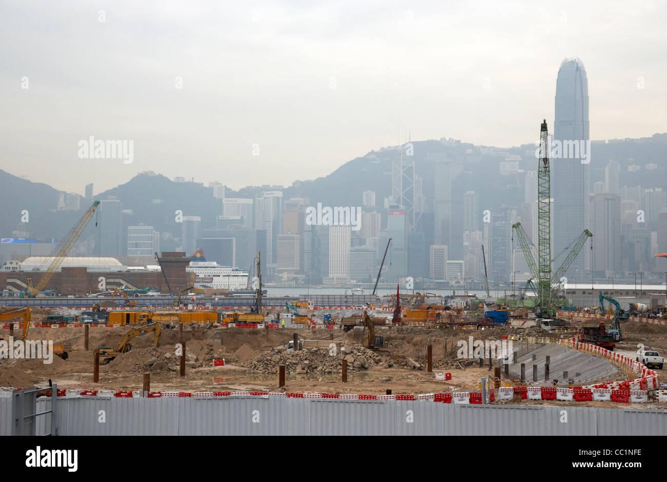 Nuovo sito di costruzione e sviluppo di incoronazione in costruzione su terreni bonificati in West Kowloon con una Immagini Stock