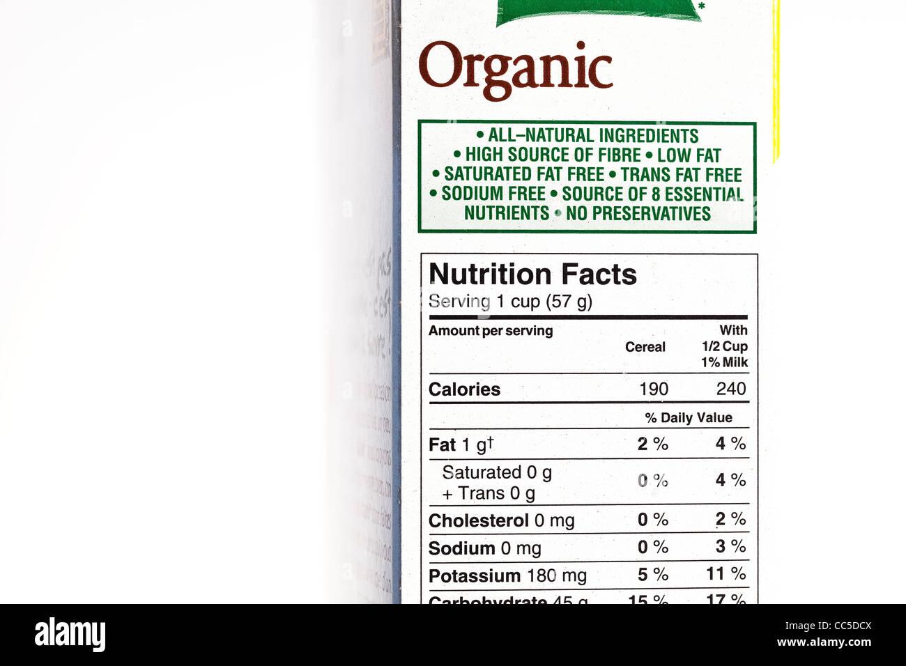 Organici di scatola di cereali, etichetta nutrizionale, close up Immagini Stock