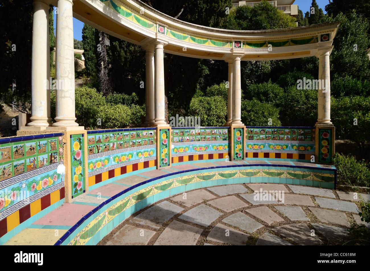 Panchina Rotonda : Con piastrelle di ceramica in rotunda panchina da giardino arredato