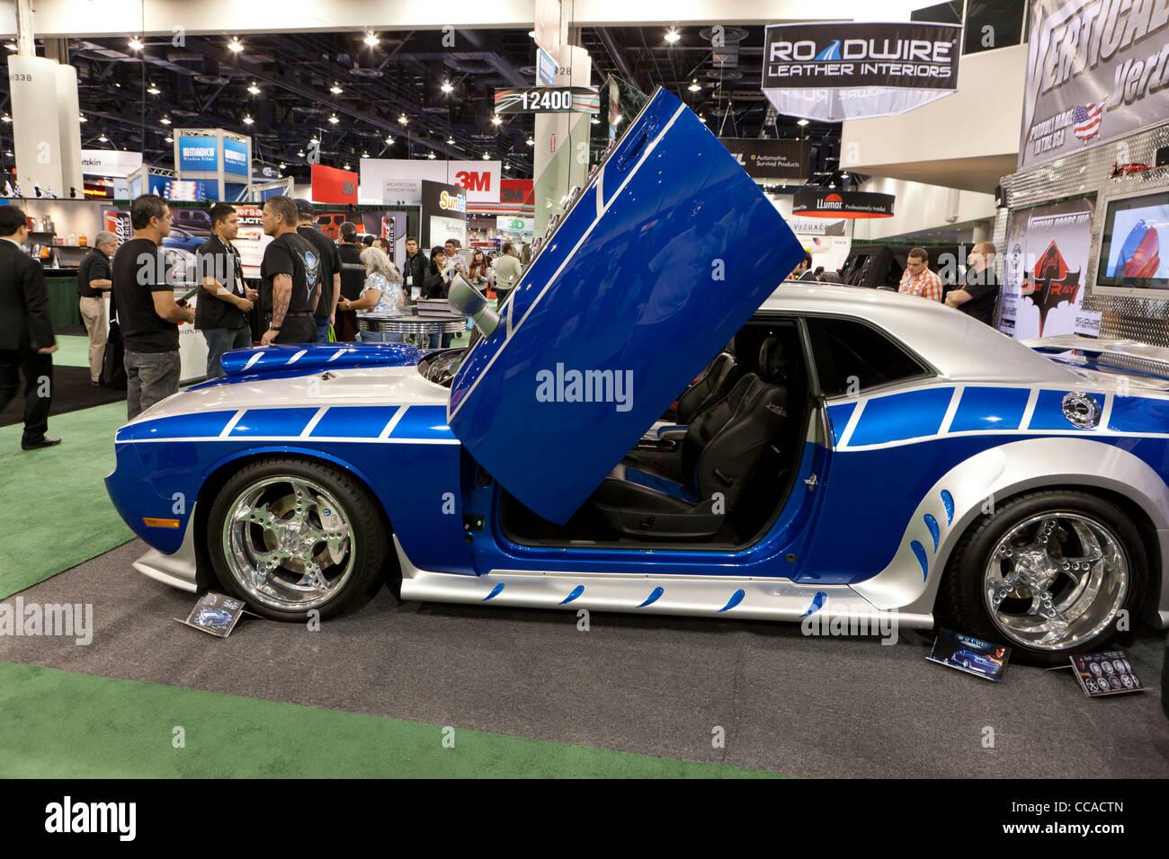 Dodge Charger auto sportive ricostruire con porte a forbice Immagini Stock