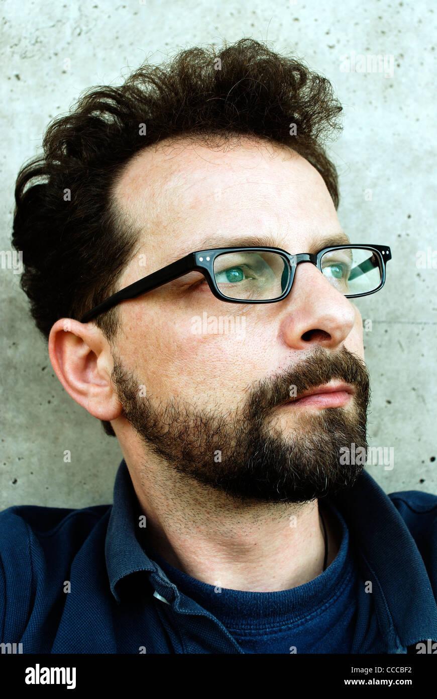 Uomo con occhiali, età 40 Immagini Stock