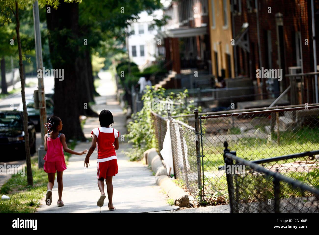Giugno 13, 2008 - Distretto di Columbia, Stati Uniti - Migliori amici SHETANA RAJAH (sinistra), 8 e DEITRA GILBERT Immagini Stock