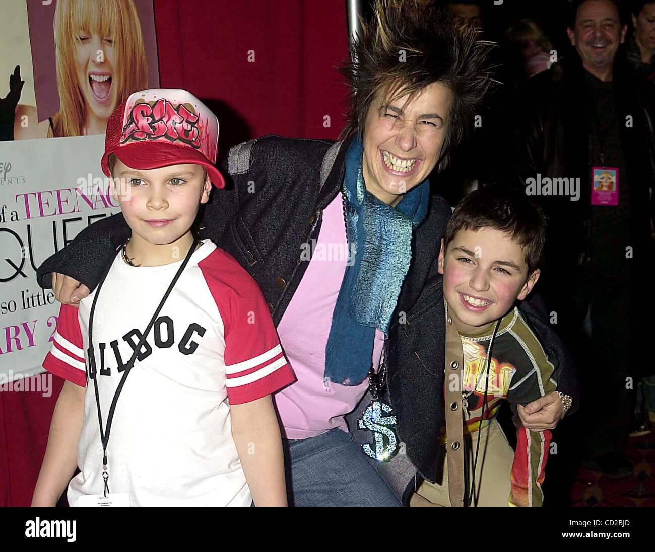 Renee Felice Smith,Nora Cecil Hot video Taylor Atelian born March 27, 1995 (age 23),Deborah Spera