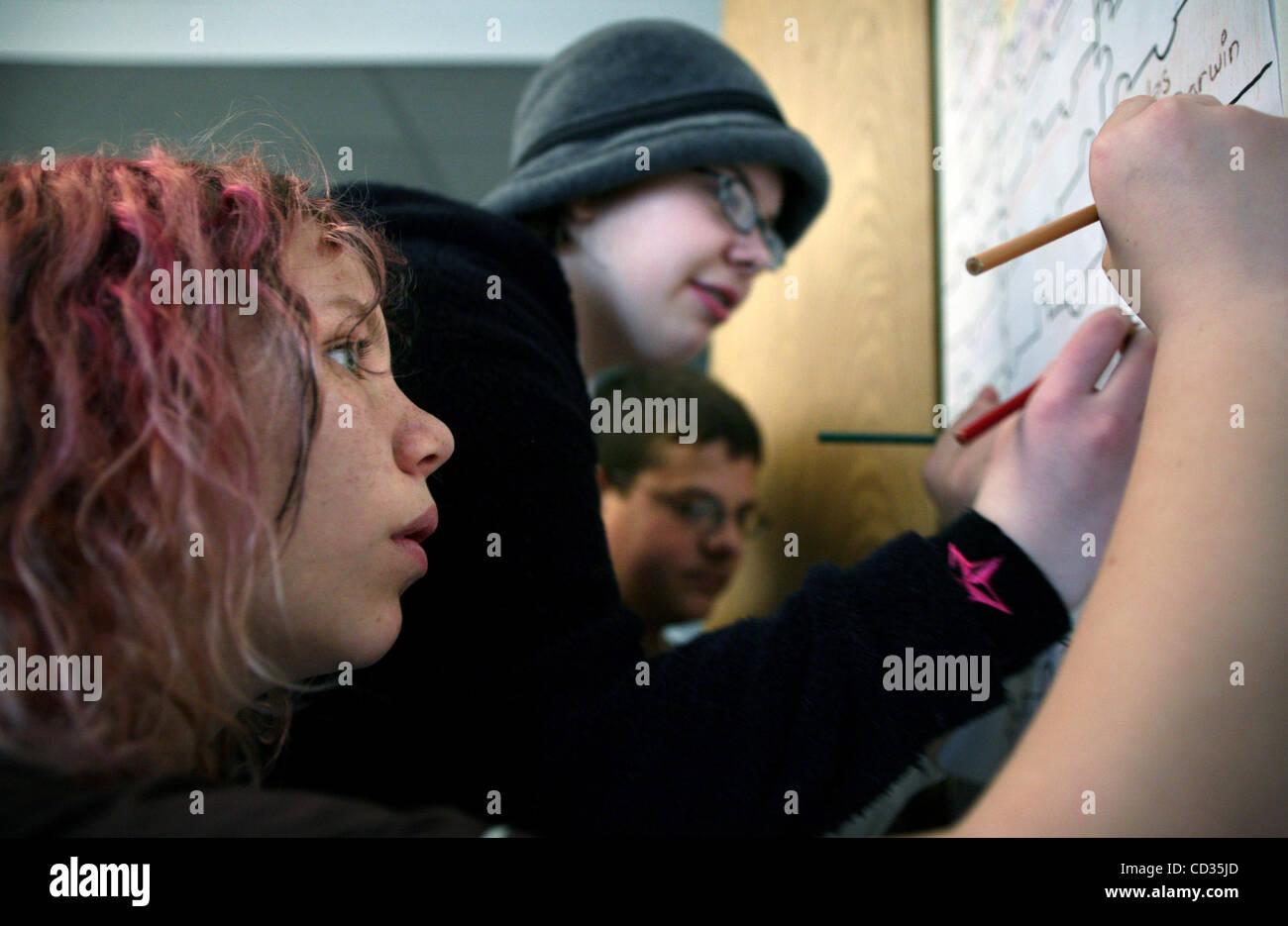 JENNIFER SIMONSON • jsimonson@startribune.com St. Paul, MN-apr. 8, 2008] Grande Fiume scuola junior Immagini Stock