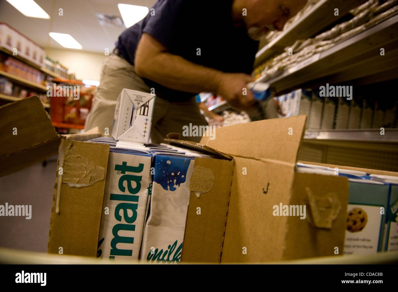 Agosto 21, 2010 - Austell, Georgia, Stati Uniti - Disoccupati e finanziariamente strapped residenti linea fino al Immagini Stock