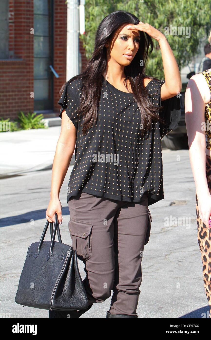 Kim Kardashian è visto indossare ugg stivali e un Hermes