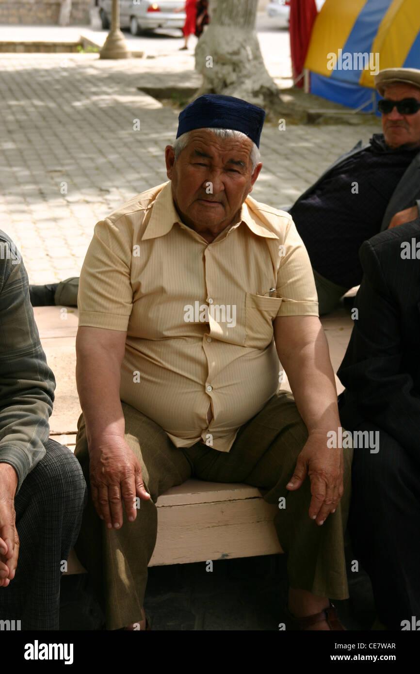 Uomo tradizionale in Samarcanda, Uzbekistan Immagini Stock