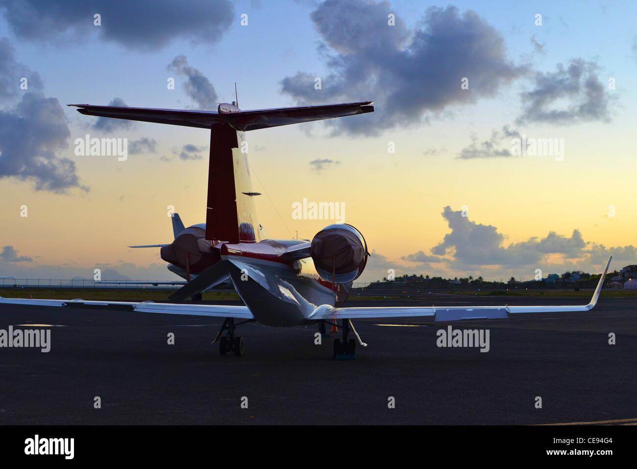 Jet Privato Lussuoso : Private jet immagini private jet fotos stock alamy