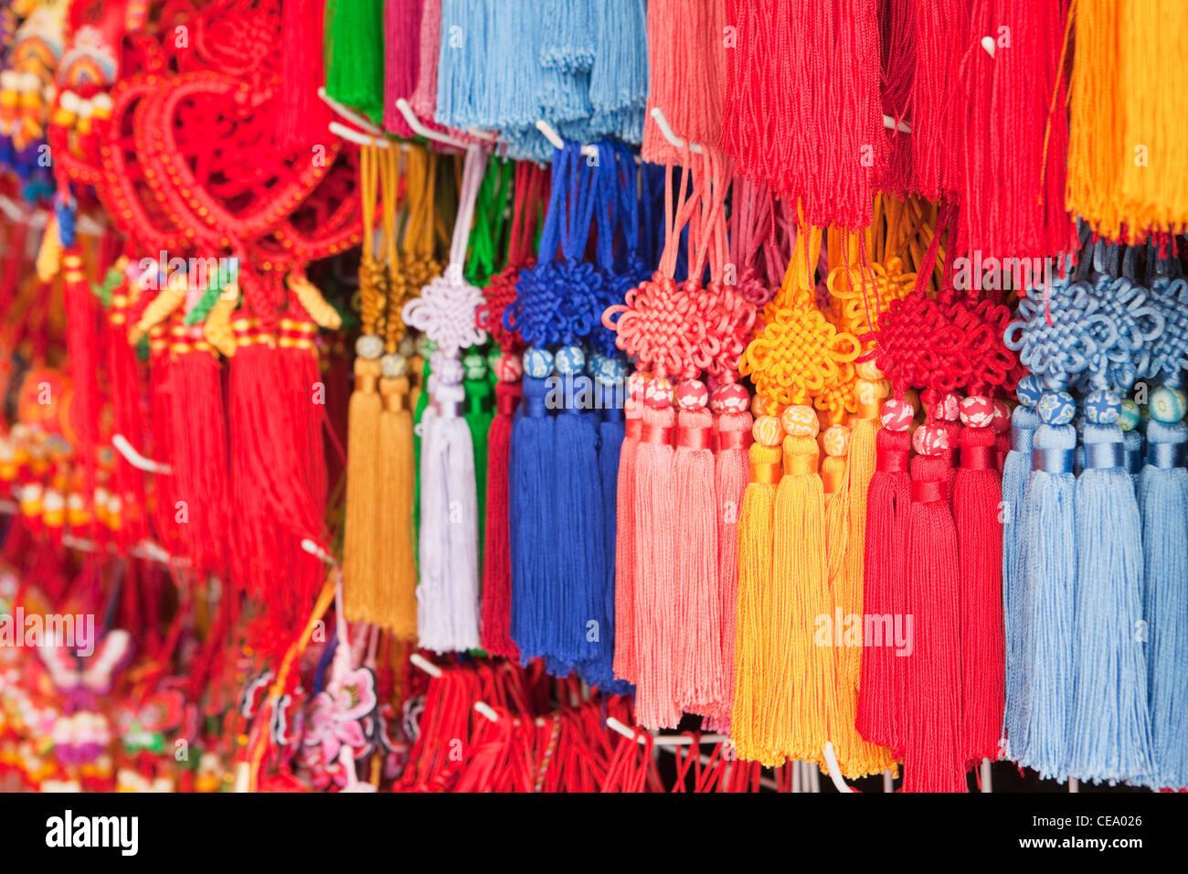 Amore nodi per la vendita; l' Yuyuan Bazar; Shanghai; Cina Immagini Stock