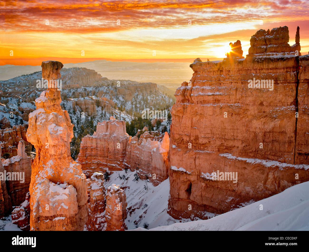 Sunrise a Thor il martello. Parco Nazionale di Bryce Canyon, Utah. Immagini Stock