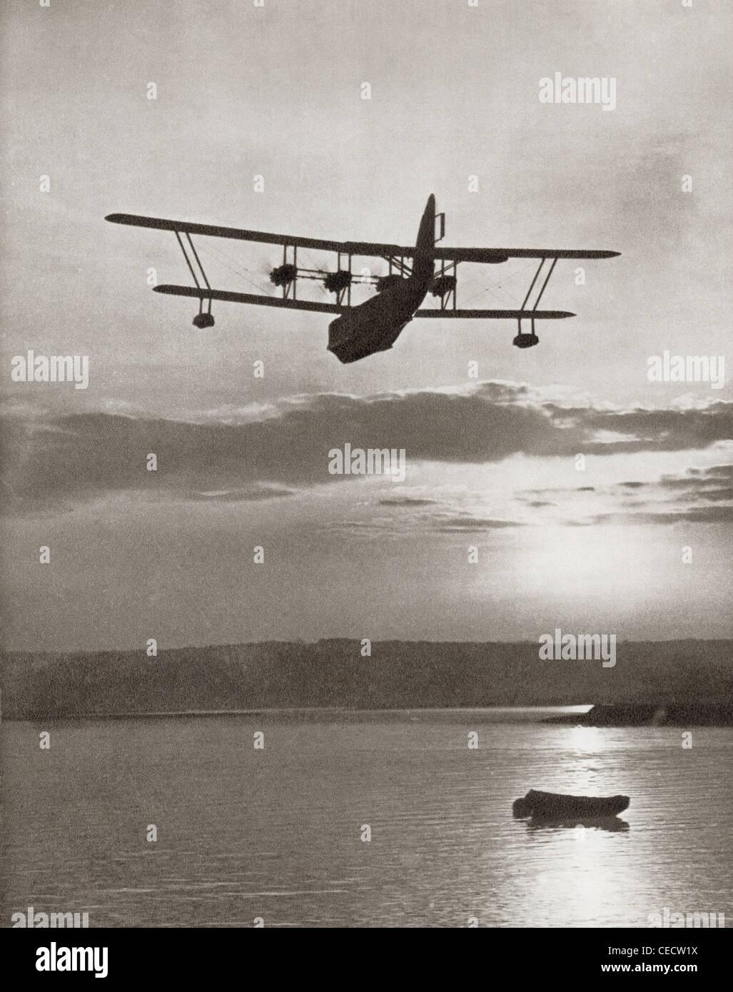 Un Imperial Airlines Scipione classe flying boat c.1931. Dalla storia di 25 anni densi di eventi in immagini, pubblicato Immagini Stock