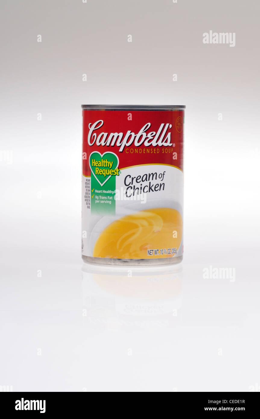 Non aperto di Campbells richiesta sani di crema di zuppa di pollo su sfondo bianco isolare NEGLI STATI UNITI. Immagini Stock