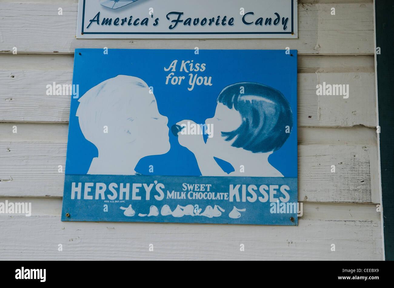 Riproduzione di vecchio Hershey's baci segno. Barkerville, British Columbia, Canada Immagini Stock