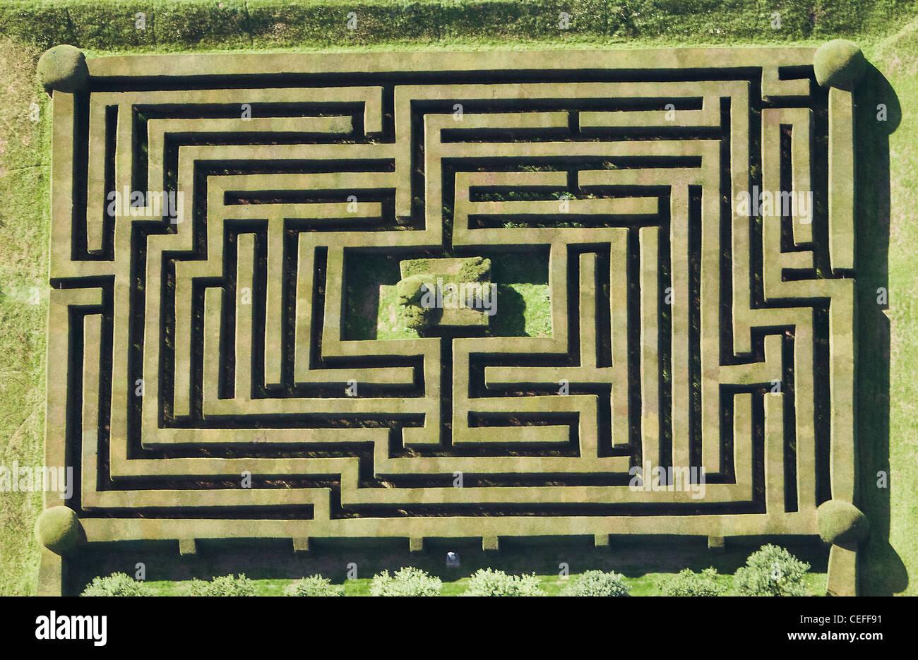 Vista aerea del labirinto di siepi Immagini Stock