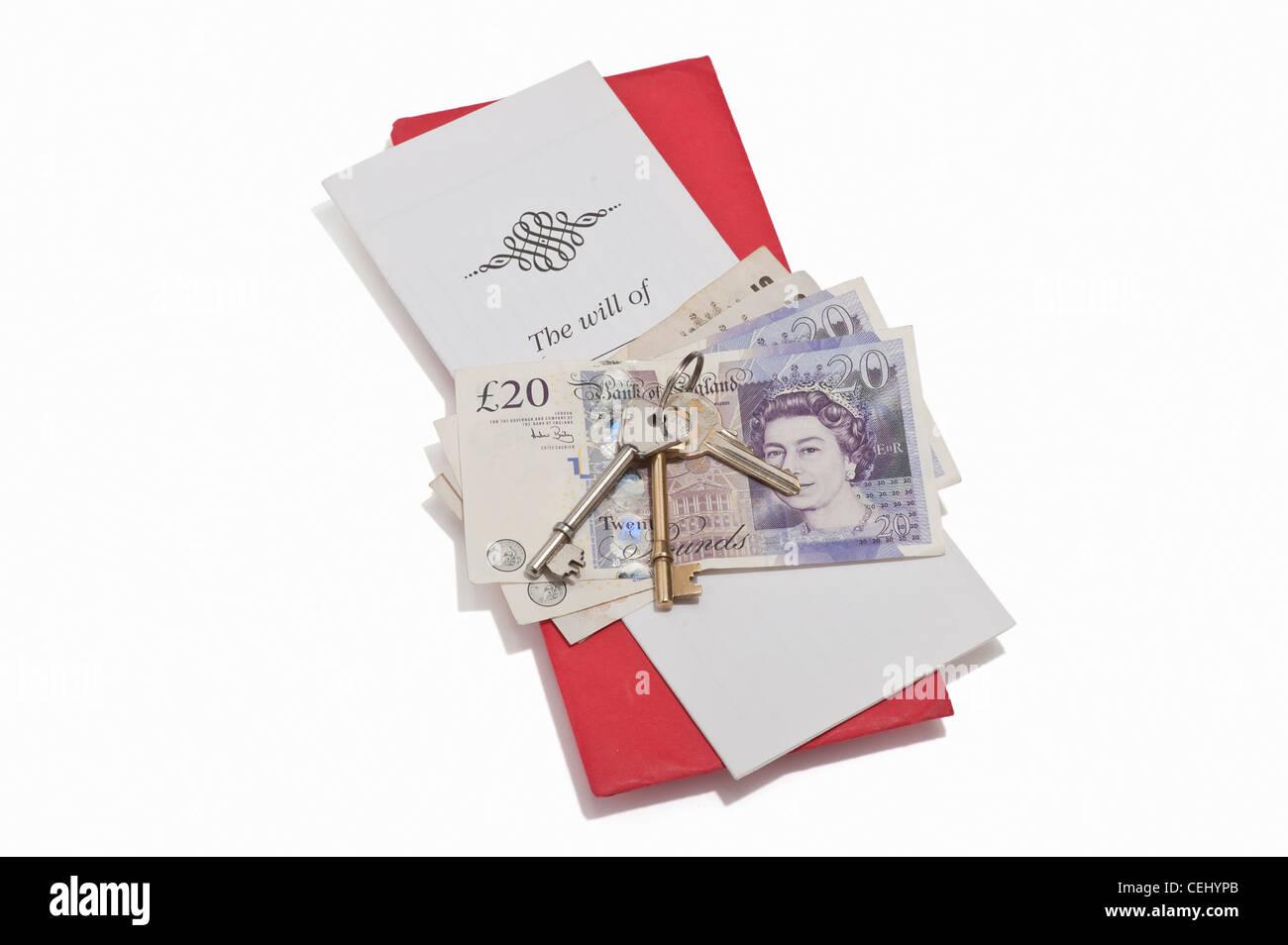 Un documento, British banconote e le chiavi di casa Immagini Stock