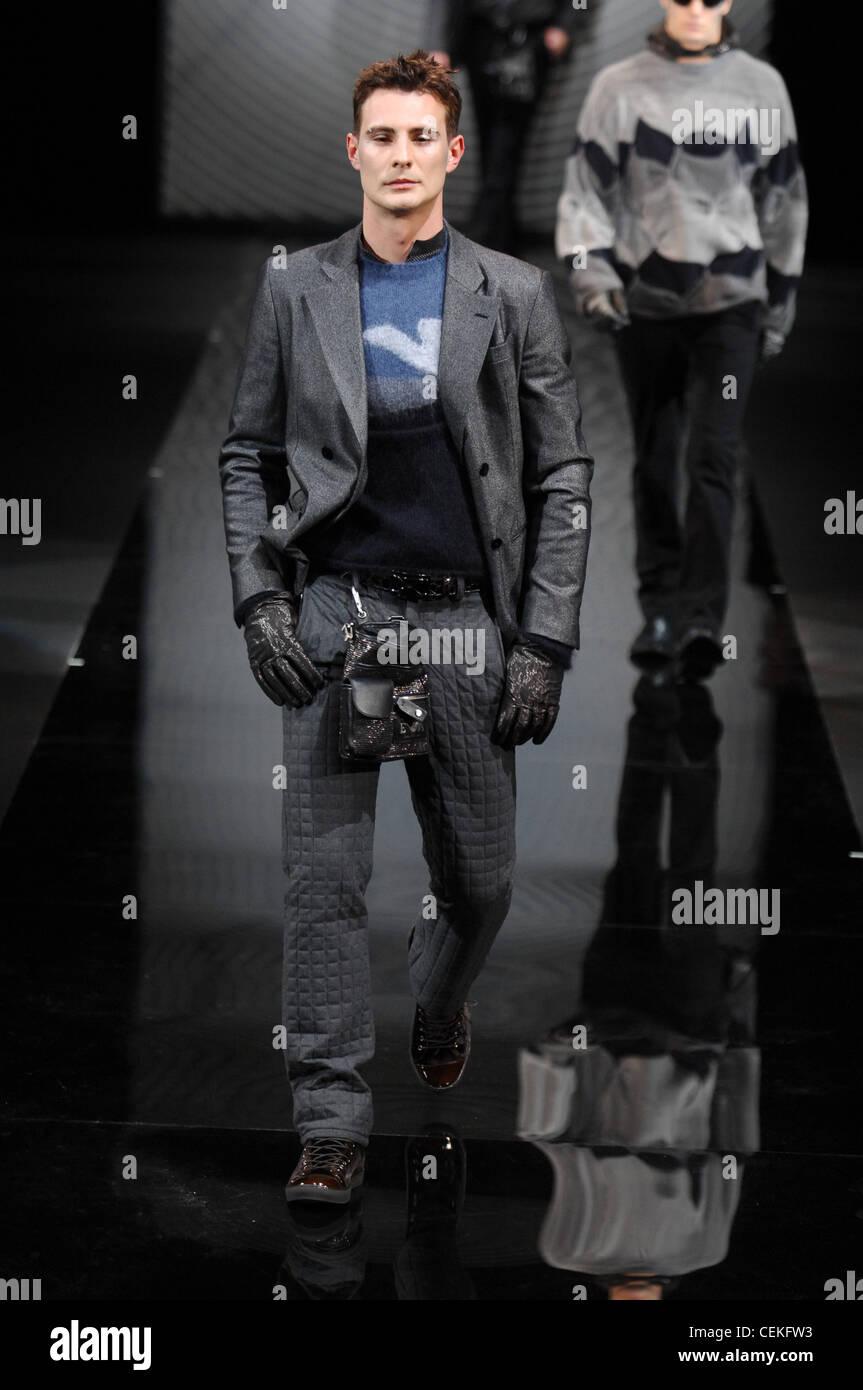 Emporio Indossare Modello Pronto Menswear Il Milano Breve A Armani XTOuPkZi