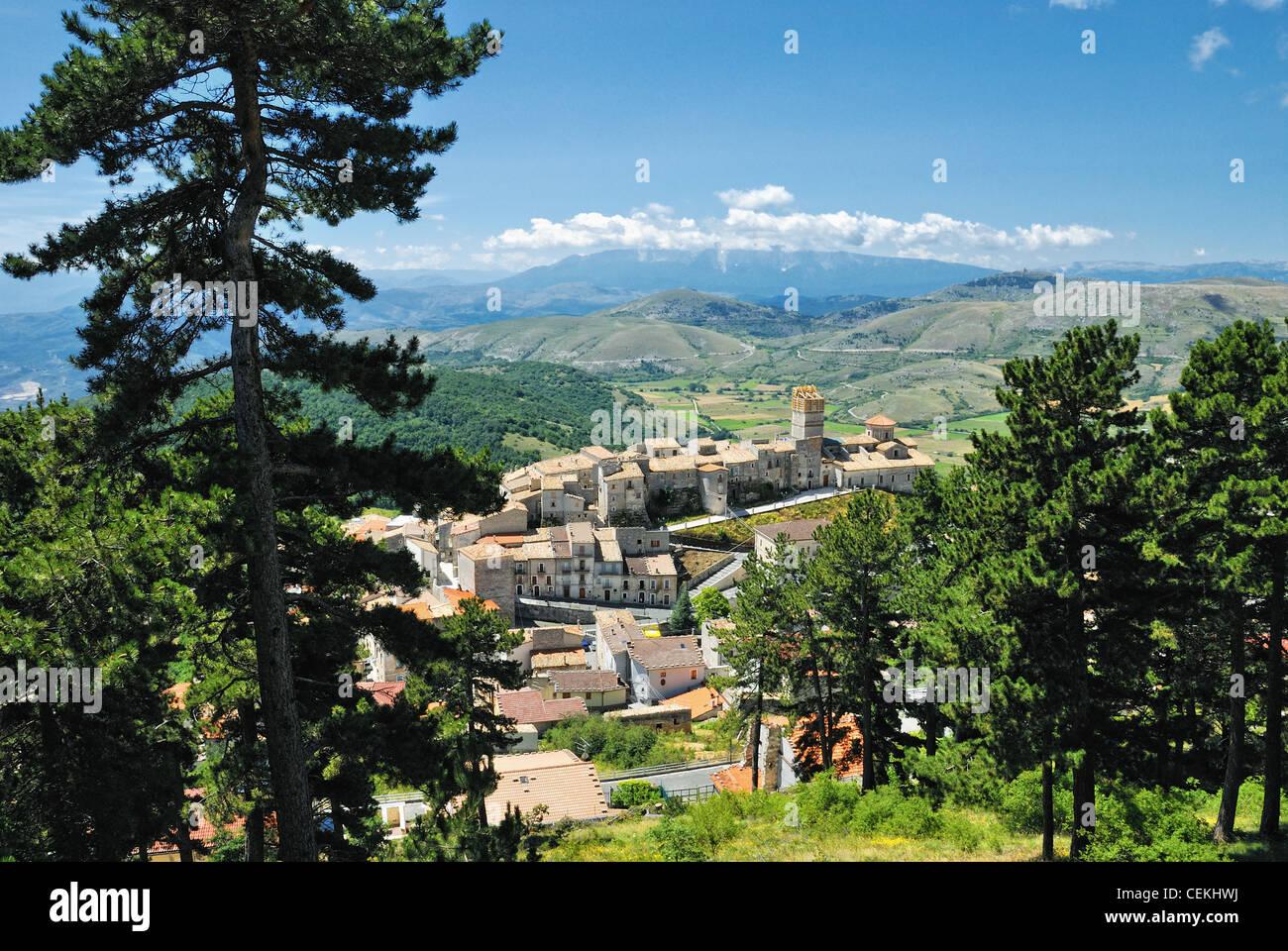 Italia Italia italie abruzzo castel del monte aq panorama montagna paesaggio di montagna Immagini Stock
