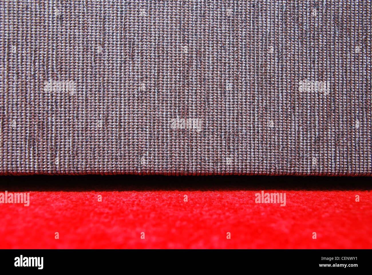 Divano Rosso E Grigio : Grigio chiaro soggiorno con brillante cabinet rosso divano nero e