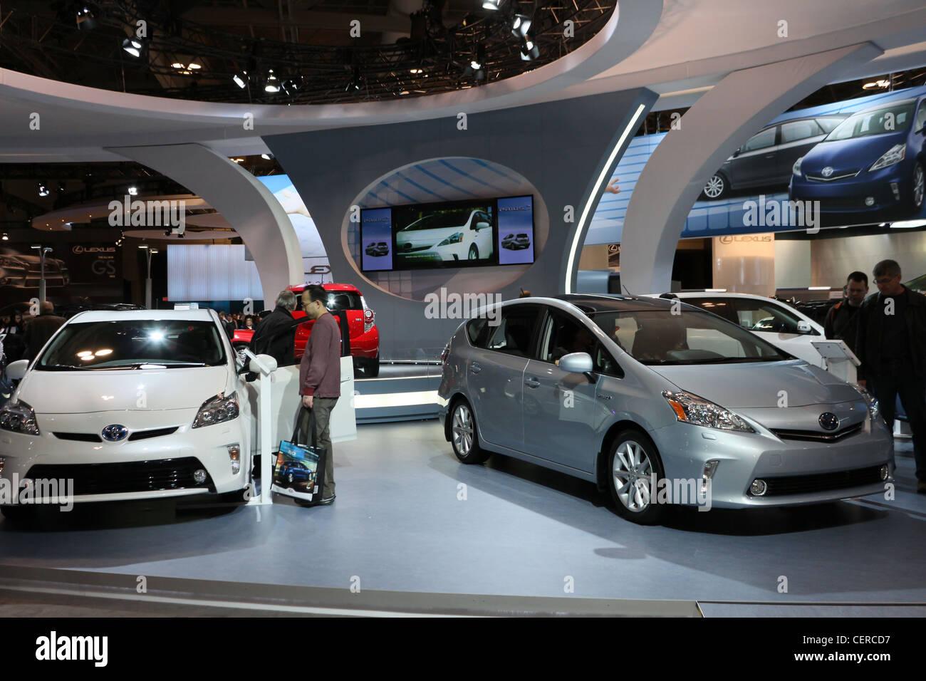 Toyota Prius ibrida elettrico auto automobili showroom Immagini Stock