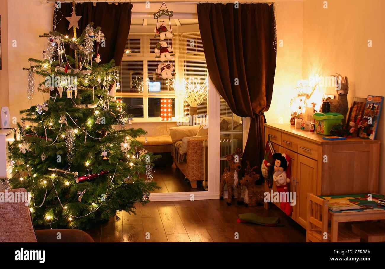 Decorazioni Natalizie In Inglese.Le Decorazioni Di Natale In Una Casa Inglese Foto Stock Alamy