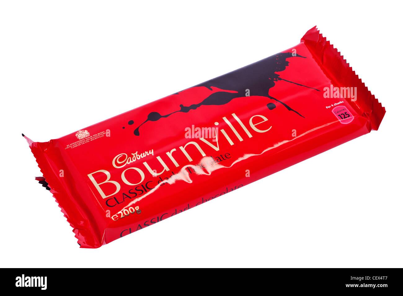 Un bar di Cadbury Bournville classic dark cioccolato fondente su sfondo bianco Immagini Stock