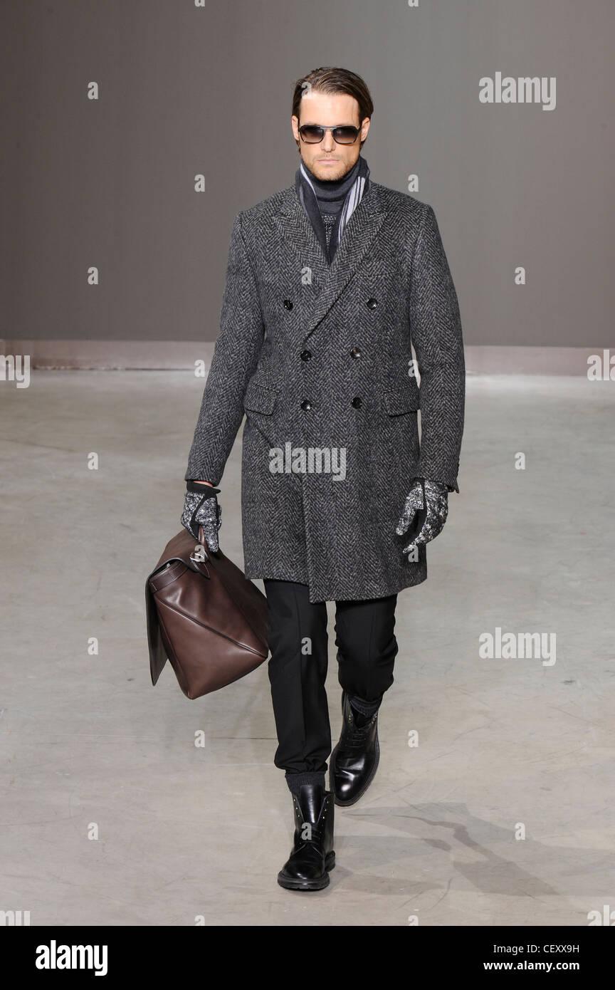 f256bde1d9 Louis Vuitton Paris pronto a indossare abbigliamento uomo autunno ...