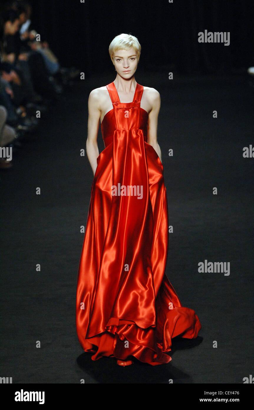 Abiti Da Sera Givenchy.Givenchy Pronto A Indossare Parigi A W Blonde Modello Femminile