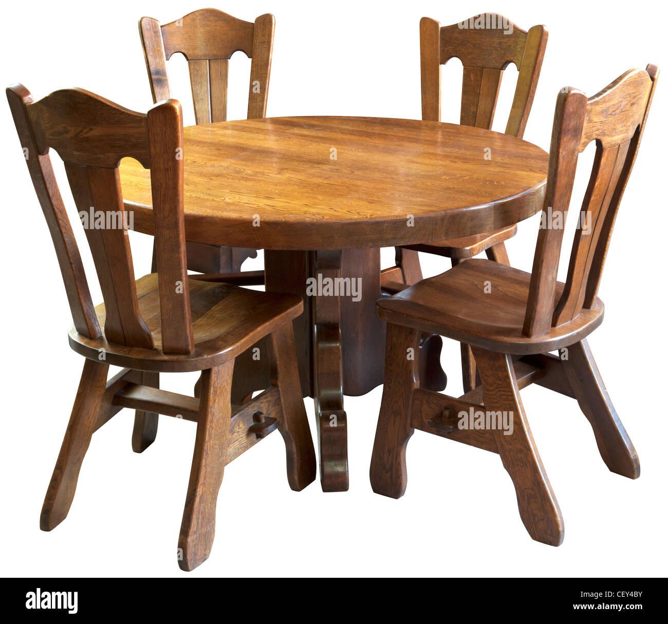 Classico in legno massiccio tavolo da cucina set, isolati su sfondo ...