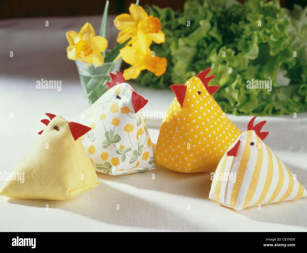 Decorazioni Pasquali Da Tavola : Pasqua tabella di pollo decorazioni da fare quattro polli di
