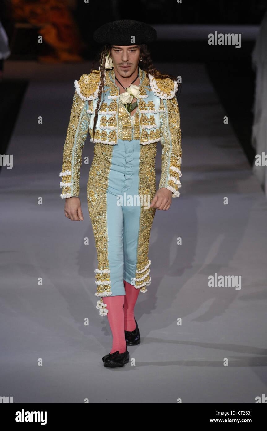 97667886b9994c Christian Dior Parigi Haute Couture Autunno Inverno anniversario di Dior  fashion designer John Galliano Vestito in blu e