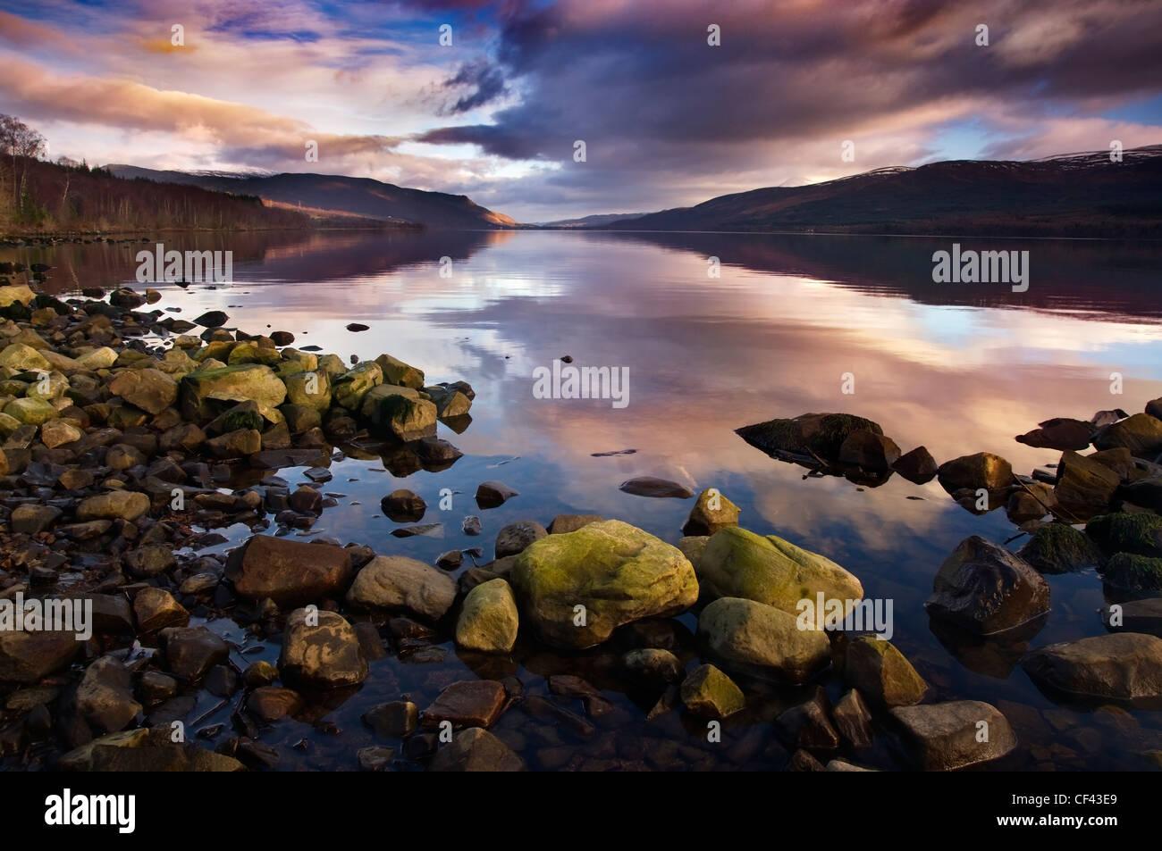 Nel tardo pomeriggio la luce sul Loch Rannoch su Rannoch Moor. Immagini Stock