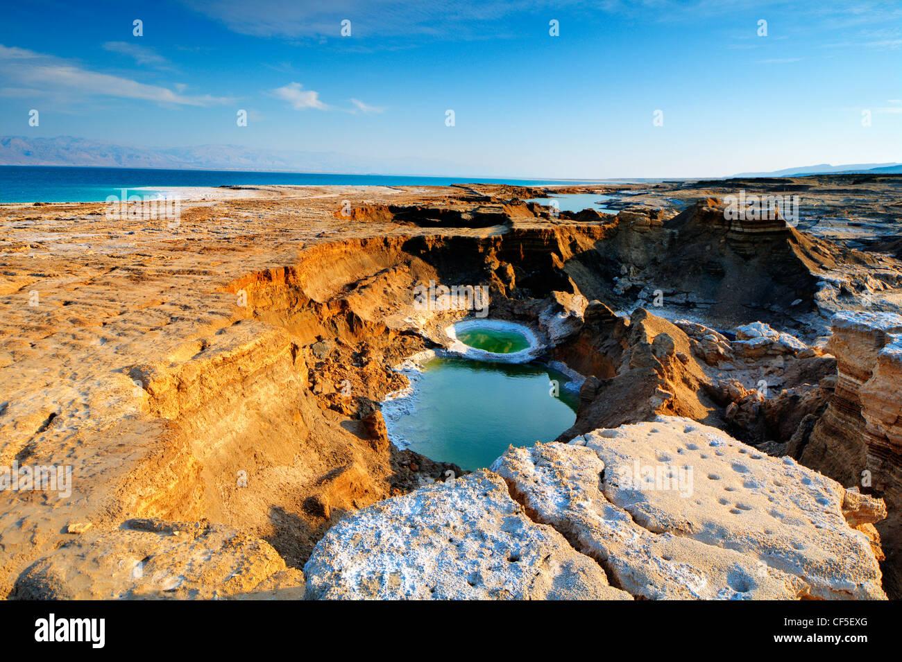 Fori di pozzo vicino al Mar Morto in Ein Gedi, Israele. Foto Stock