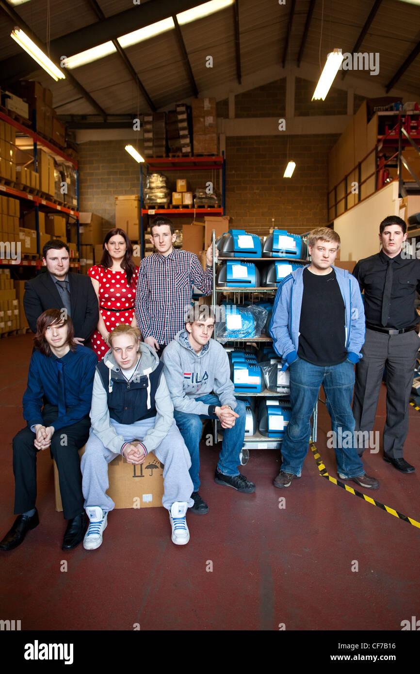"""18-24 anni su """"Workfare """" programma di governo del Regno Unito l'esperienza di lavoro regime di offrire Immagini Stock"""
