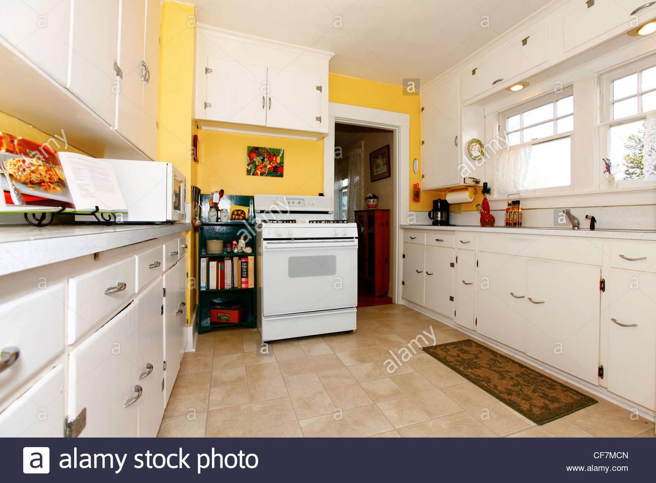 Colori pareti cucina giallo: abbinare due colori in una stanza foto