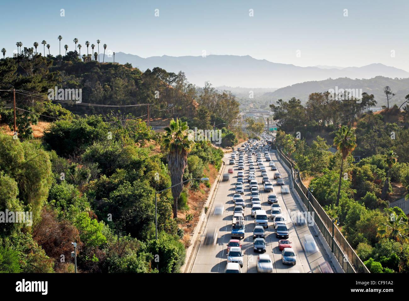 Pasadena Freeway (CA autostrada 110) che conduce al centro di Los Angeles, California, Stati Uniti d'America Immagini Stock