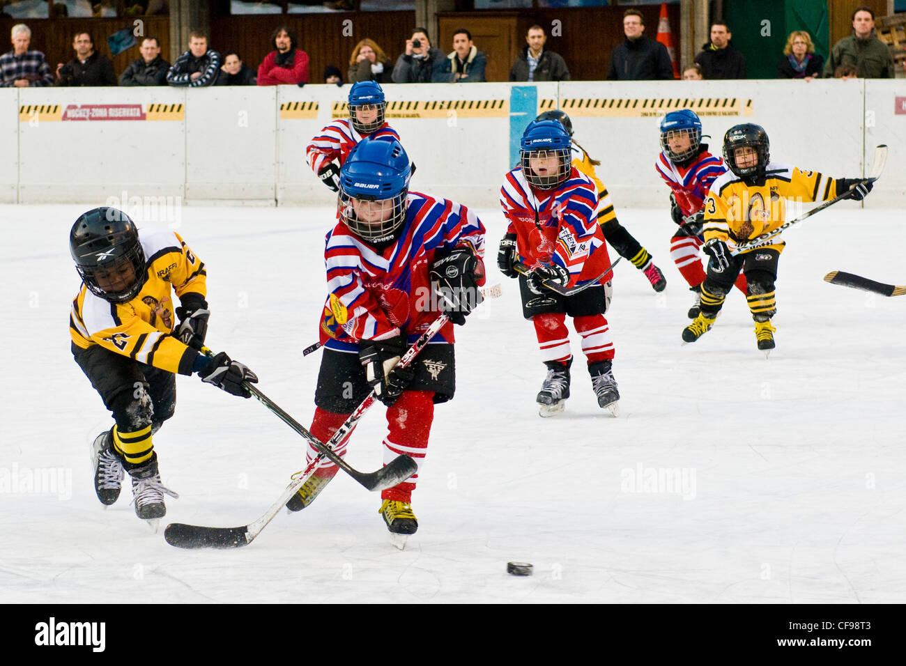 Hockey su ghiaccio, Sonogno, Svizzera Immagini Stock