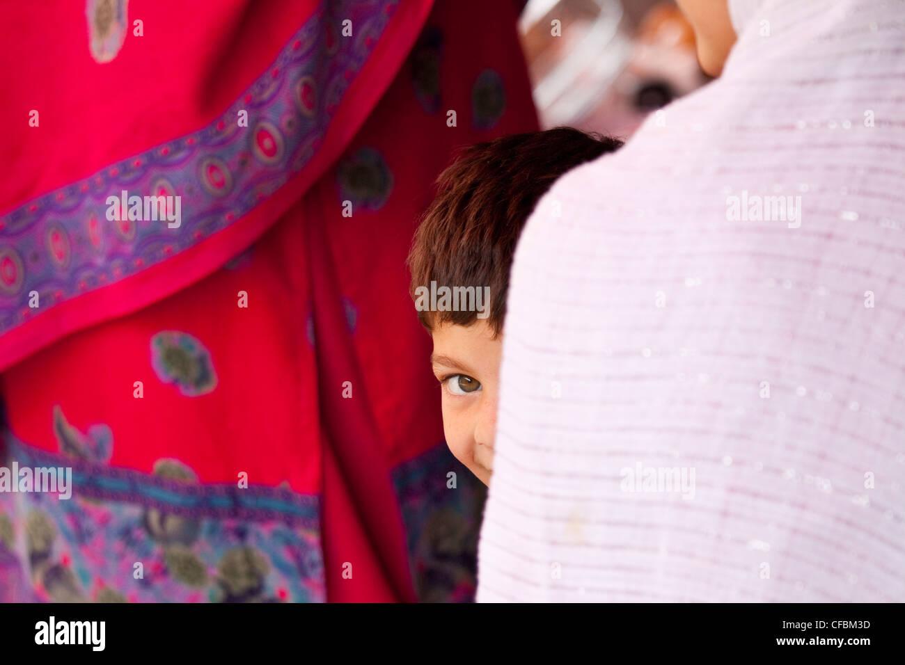 Timido ragazzo musulmano a Islamabad, Pakistan Immagini Stock