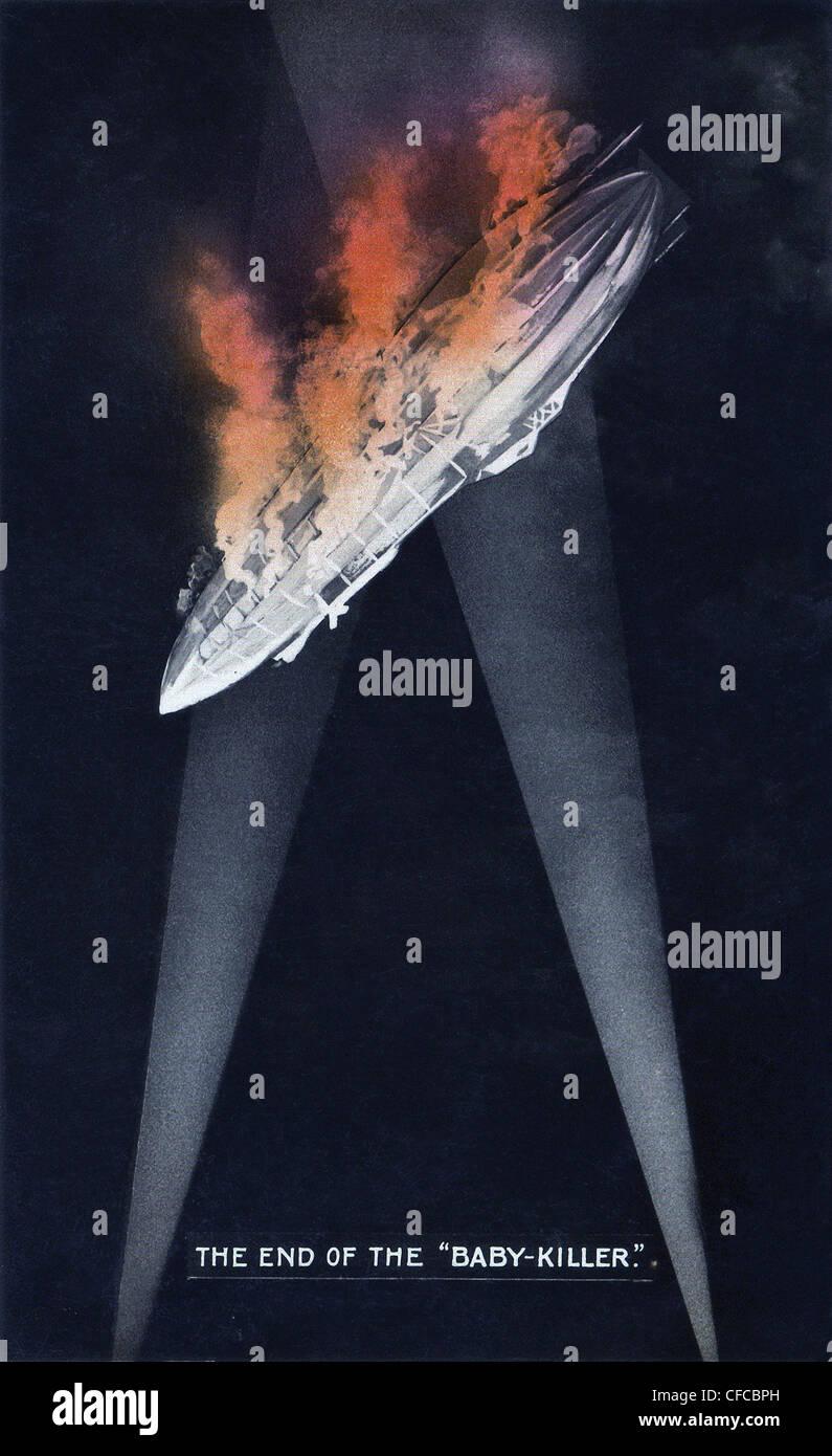 Fine, Baby Killer, Tedesco, Zeppelin, bruciando, sky, illuminato, cerca le luci della I Guerra Mondiale, Guerra, Immagini Stock