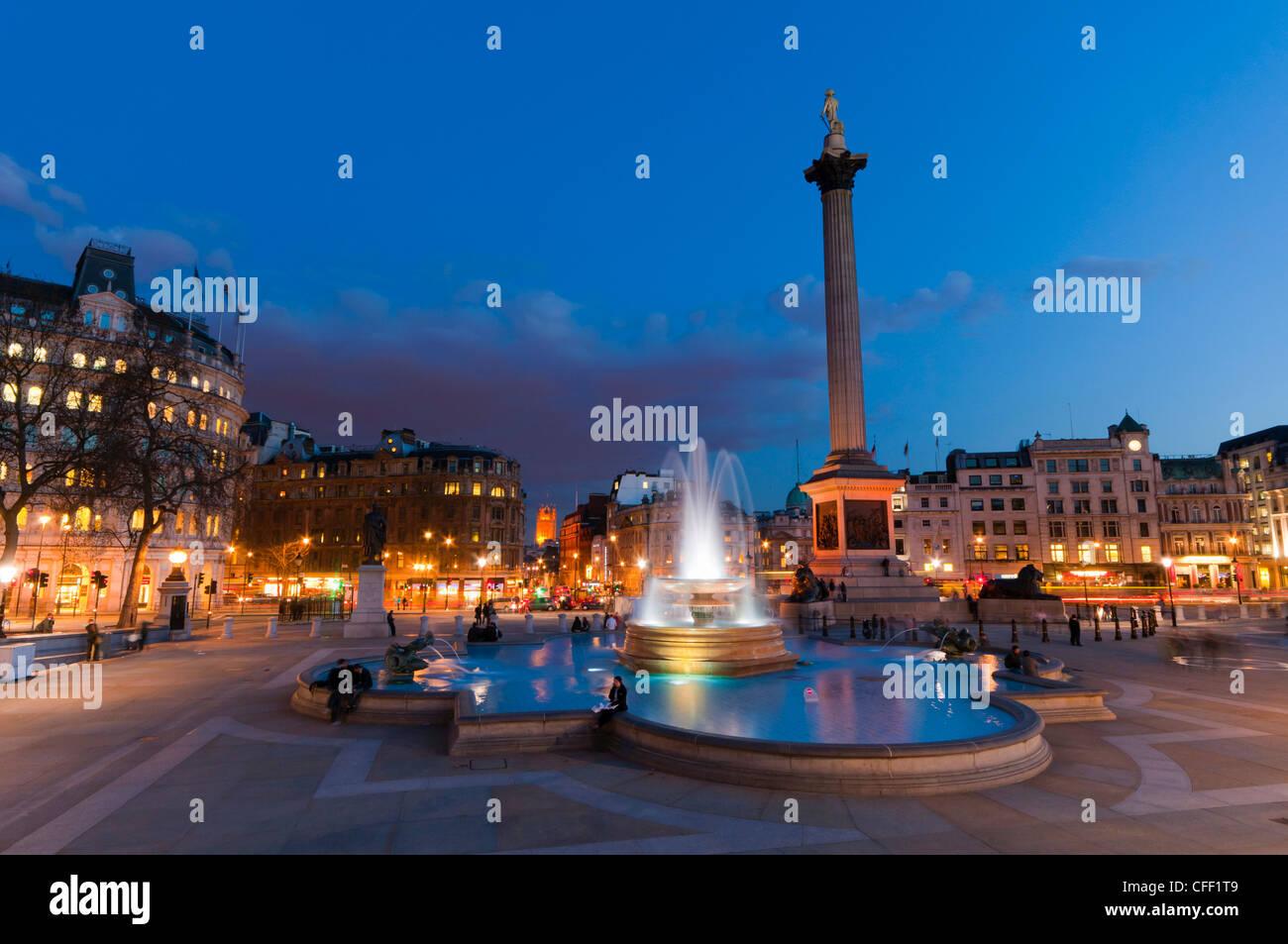 Colonna di Nelson e Trafalgar Square, London, England, Regno Unito, Europa Immagini Stock
