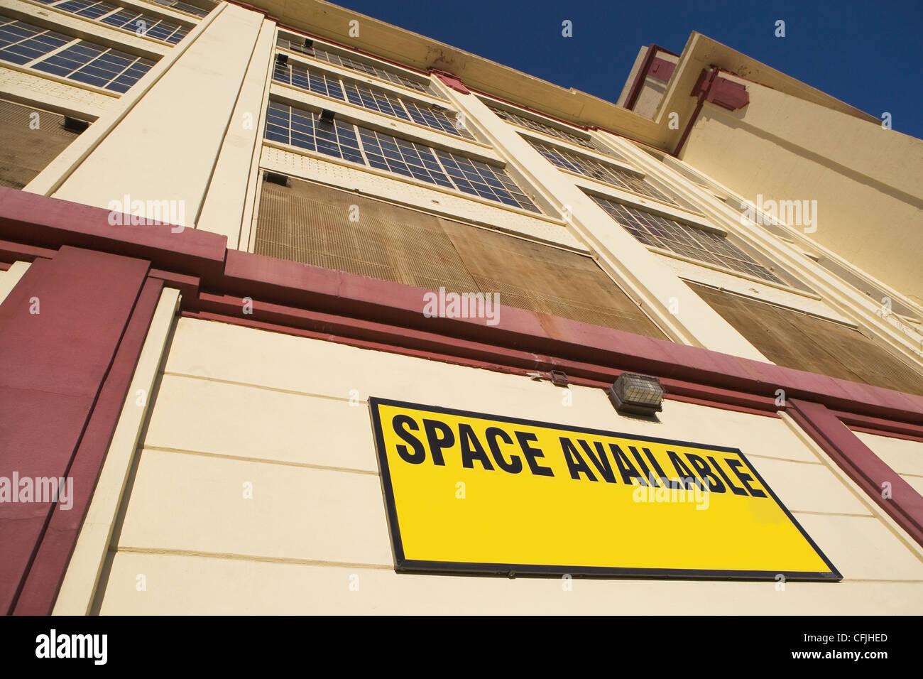 Edificio con spazio disponibile Immagini Stock