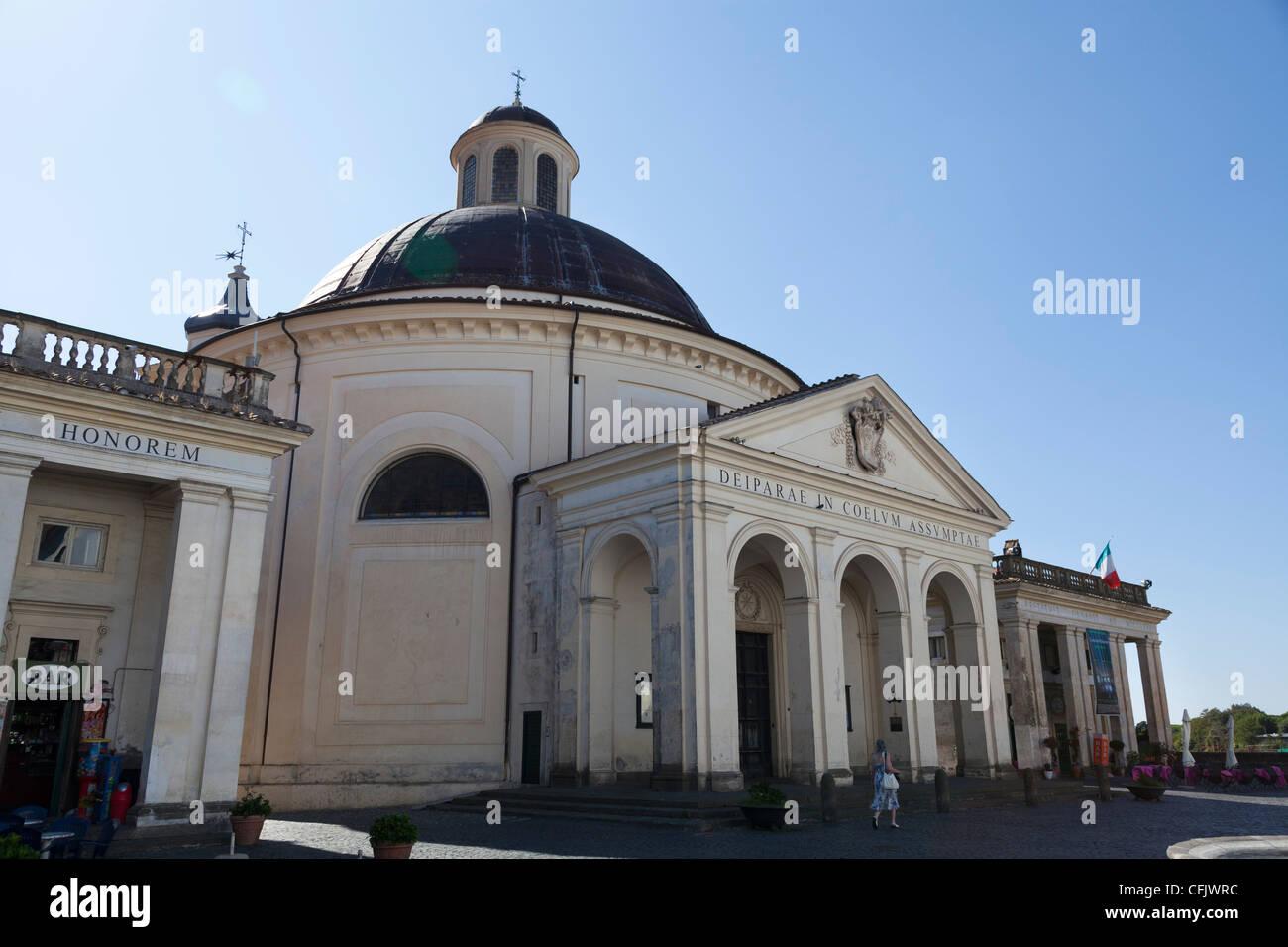 Santa Maria Assunta in Cielo la Chiesa id Ariccia Immagini Stock