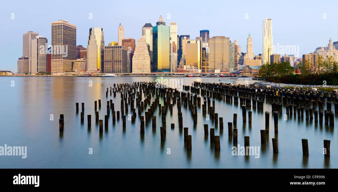 Vista la mattina di grattacieli di Manhattan, New York, Stati Uniti d'America, America del Nord Immagini Stock