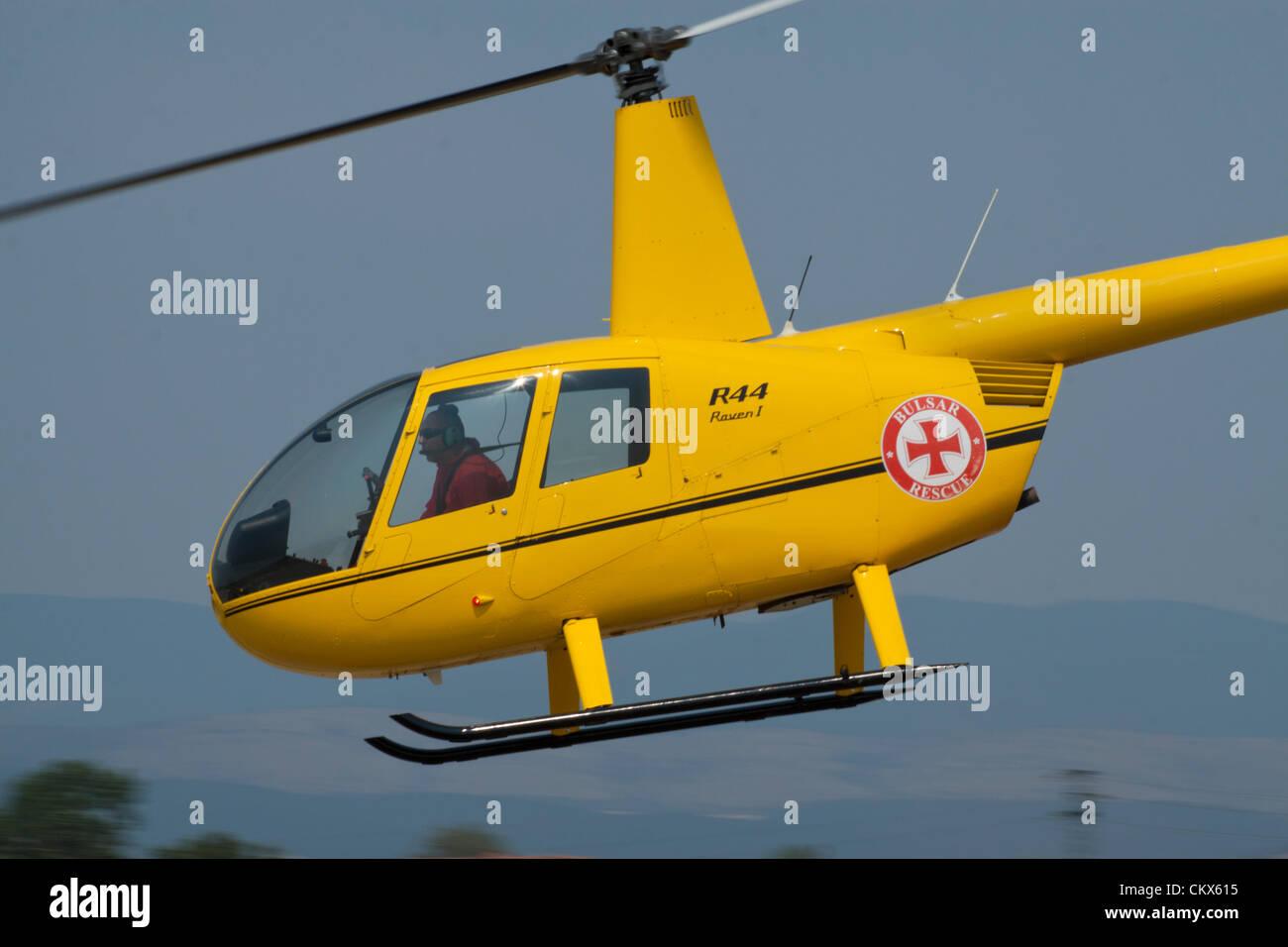 Km H Elicottero : Lesnovo bulgaria agosto robinson r elicottero del