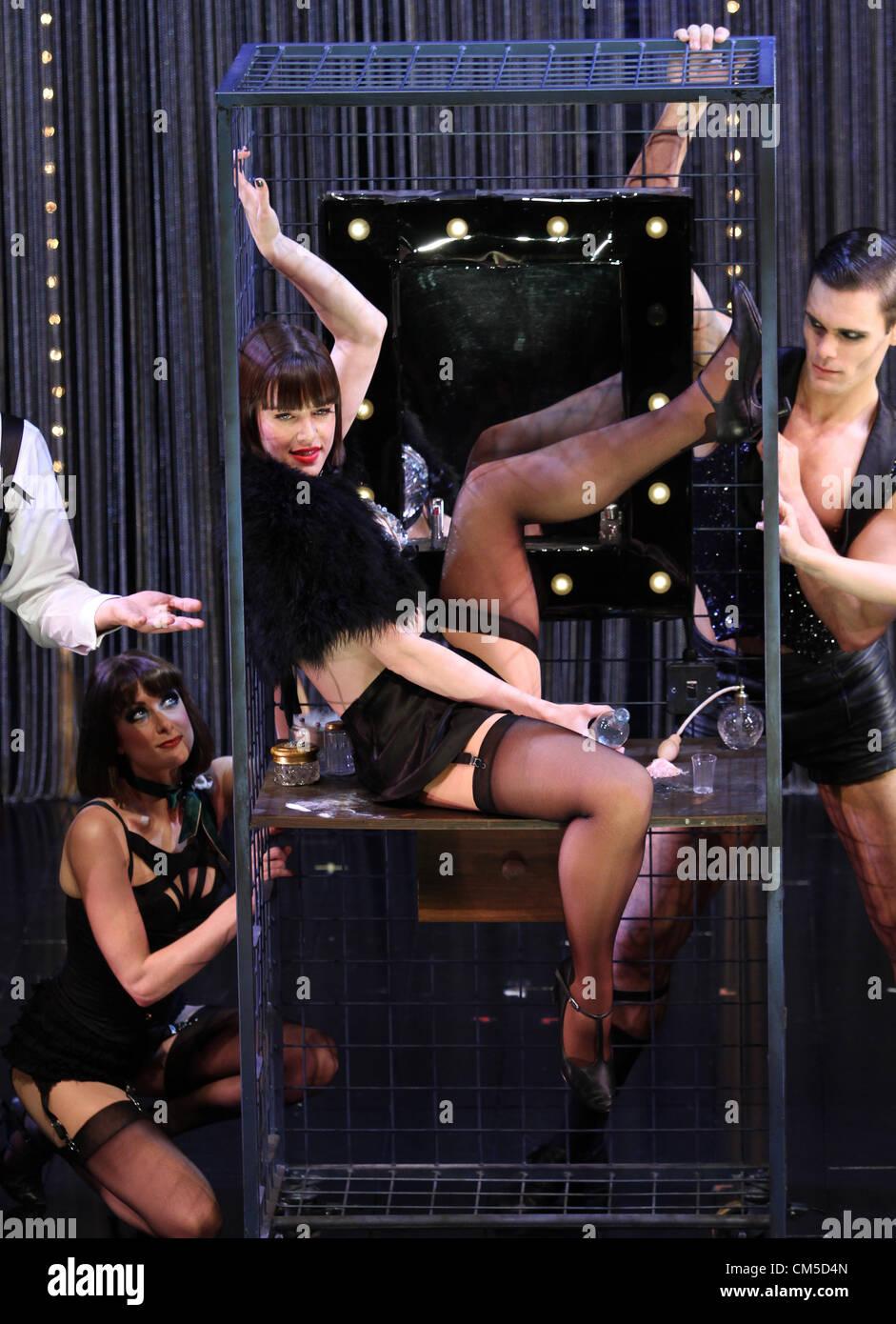 MICHELLE RYAN cabaret. PHOTOCALL Londra Inghilterra REGNO UNITO 08 Ottobre 2012 Immagini Stock