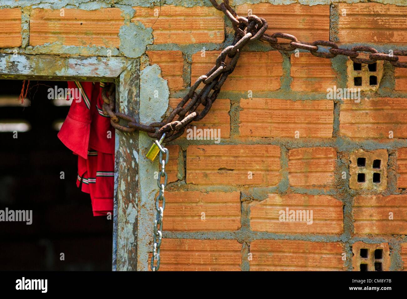 Ottobre 29, 2012 - Mayo, Pattani, Tailandia - un paziente a catene il Bukit Kong home in Mayo. La casa ha aperto Immagini Stock