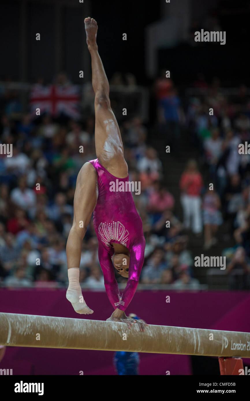 vault gymnastics gabby douglas. Gabrielle Douglas (USA) Medaglia D\u0027oro In Donne Individuale Completa Al 2012 Olimpiadi Vault Gymnastics Gabby U